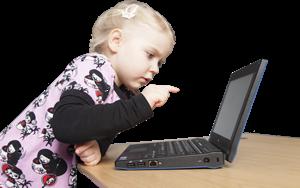 Valokuva Tyttö ja tietokone